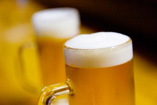 【悲報】大人の男同士の遊び 「飲みに行く」しかない問題