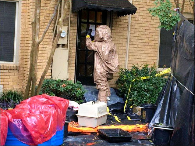「全身防護服で感染とかマジ?」 欧米、エボラが想定以上にやばくて慌てだす