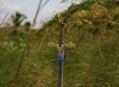 sword-antique-weapon-medieval-steel-ancient-iron