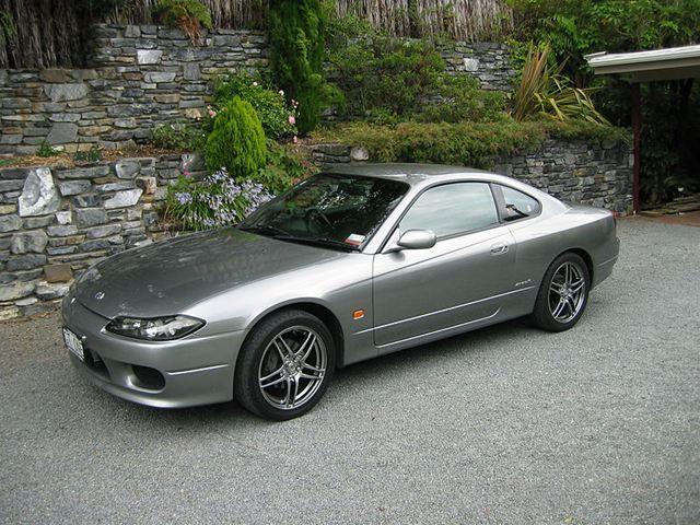 800px-Nissan_S15_200SX