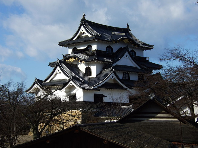 1280px-Hikone_castle5537