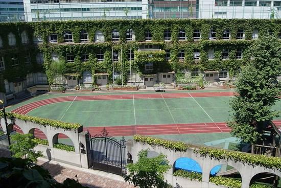Taimei_Elementary_School_in_Ginza