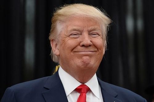 【悲報】トランプ大統領、ハリケーン被災者の家を訪問し一言「ナイスなボートをゲットしたね」