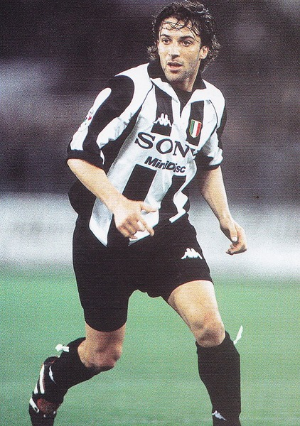 Juventus-97-98-Kappa-first-kit-stripe-black-black