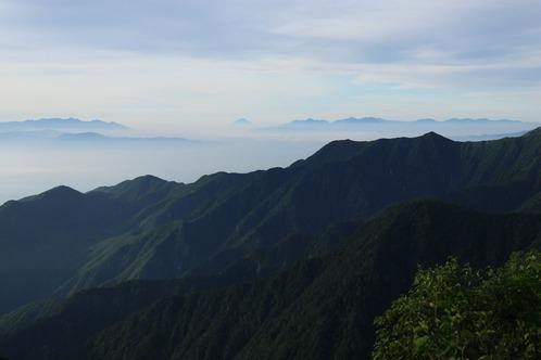 IMG_8571山のシルエットs