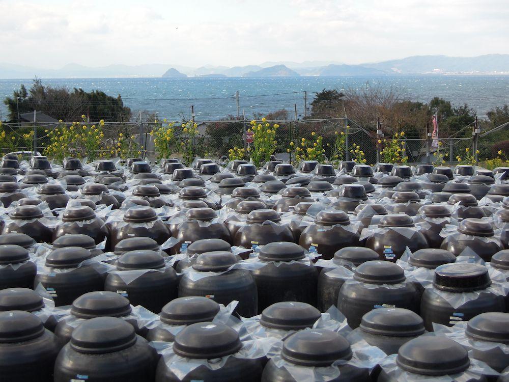0542黒酢の瓶