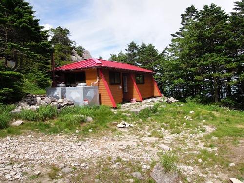 9673避難小屋