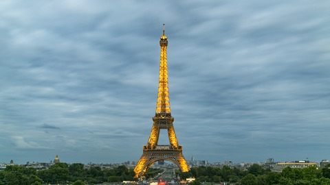 eiffel-tower-927634_1920