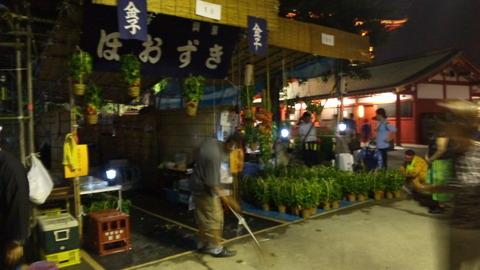 ほおずき市の夜①:浅草寺110709_210211