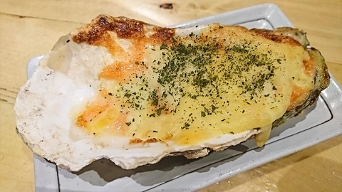 かつを:⑮焼き牡蠣450円明太マヨネーズ171208