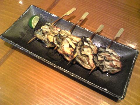 魚菜:②牡蠣串焼き350円四個全景101107