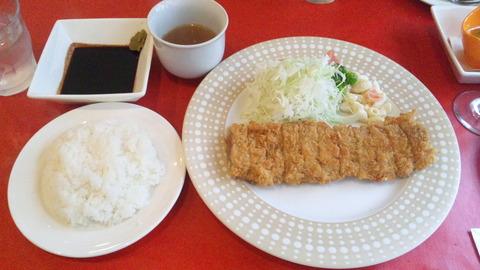 福昇亭:①牛カツ1850円全景160612