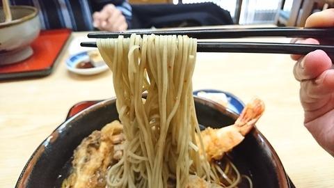 尾張屋:⑬蕎麦を箸で摘まんで191222