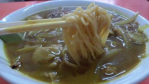 中華料理五十番:②カレーソバ500円の麺110220