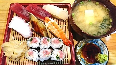 亀寿司:①にぎりすし750円191130