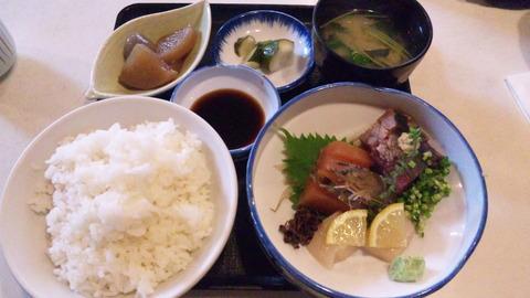 魚昇:①刺身定食852ご飯大盛全景150606