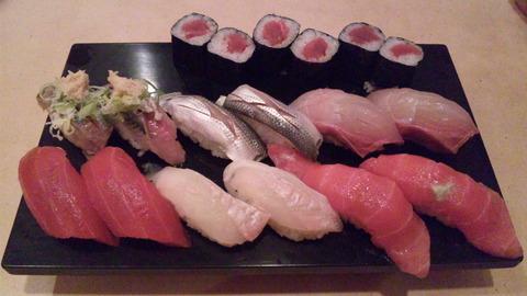 寿司幸:①〆の寿司一皿目130324