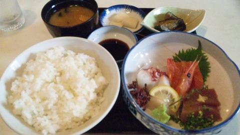 魚昇:①刺身定食852全景150809