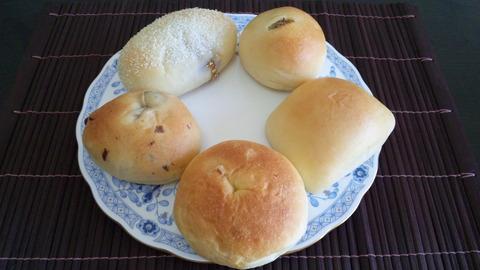 百乃苺:①パン5種全景131221