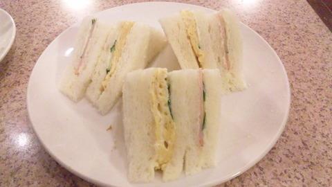 デンキヤホール:①モーニングサービスのサンドイッチ160321