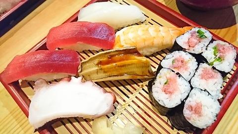 亀寿司:⑩にぎりすし750拡大191215