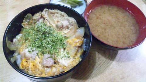常盤仙食堂:①親子丼650円全景150714