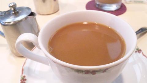 カフェカリオカ:②ホットコーヒー400拡大150404