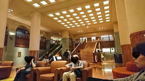 ピトレスク:店③堂々たるエントランス階段190826