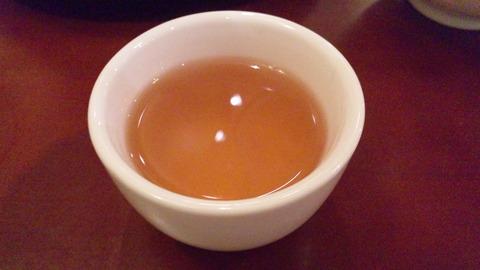 盛香園:⑭食後の熱い烏龍茶131127