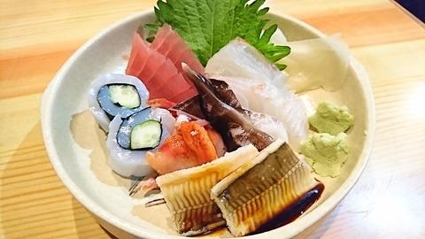 亀寿司:①刺身盛合せ1000円180602