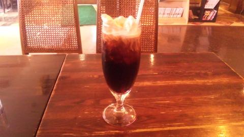 カフェ・ド・パルク:②アイリッシュコーヒー780全景110811