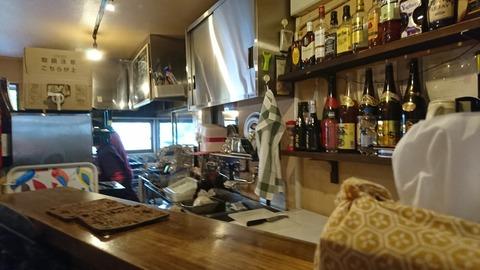 上木屋:店③厨房の様子170514