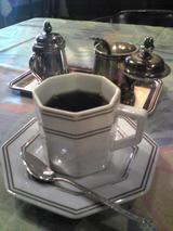 丸太町東洋亭:?熱いカップで供するコーヒー100502