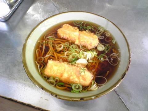 山田製麺所:?ソーセージそば400円全景100606