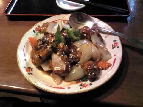 好味園:①牡蠣と野菜黒豆炒め1000円全景101107