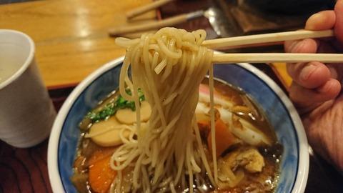 奈可川:⑧蕎麦を箸で摘まんで171226