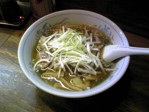 哈爾濱餃子:?葱叉焼麺800円全景100714