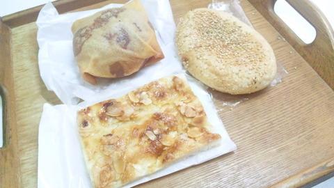 クラージュ:①パン3種全景160417