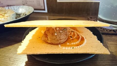 上木屋:⑤たこ焼を煎餅に挟んで170514