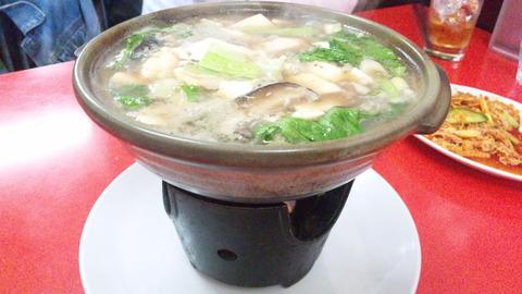 海華:①カキと豆腐鍋700円161112