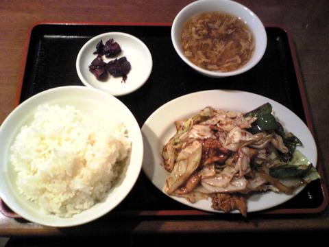 好味園:②回鍋肉定食850円全景101107