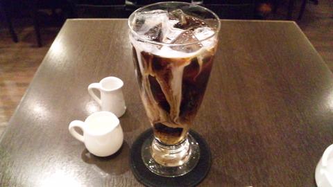 ネズカフェ:①アイスコーヒー480全景150424