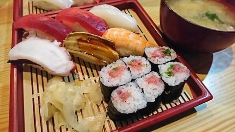 亀寿司:⑨にぎりすし750円191215