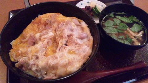 須田:①軍鶏親子丼御膳1200円160521