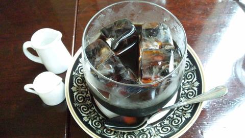 カフェラミル:①ダッチコーヒー850円全景120722