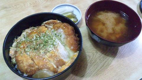 常盤仙食堂:①カツ丼700円全景150929