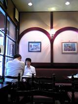 のぶCafe:店�入口左手テーブル席070829.jpg