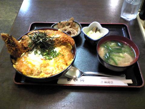 お食事処はるみ:�とっちゃん丼1590円全景091130