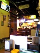 レインボーキッチン:店�厨房方向06-06-11_12-14.jpg