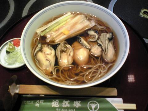 近江家:�牡蠣そば1370円全景091124